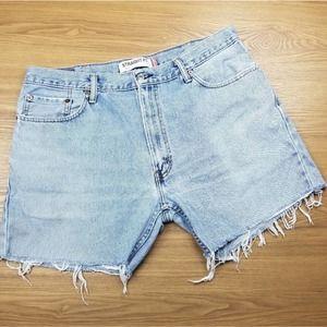 Levis 505 High Rise Jean Shorts 38 Waist